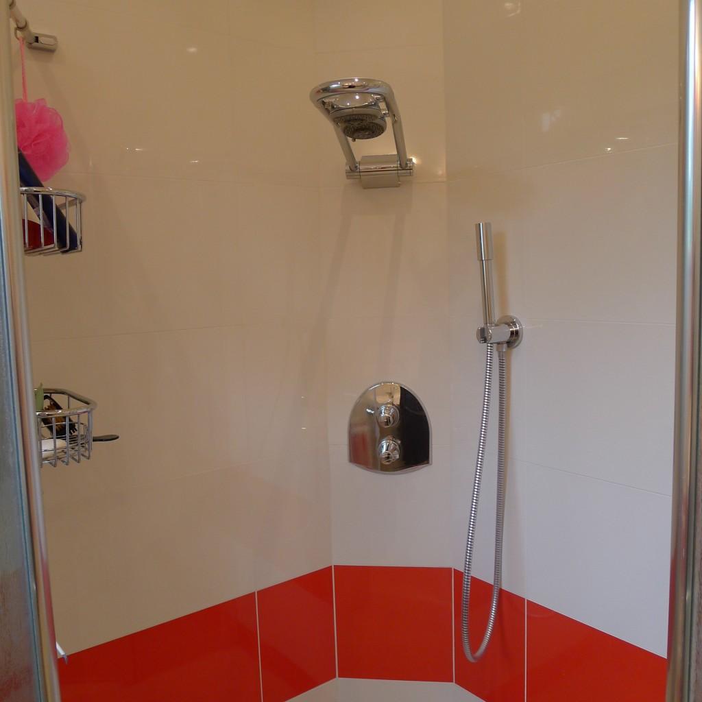 Salle de bain baignoire douche meuble pau techniceau for Aspiration salle de bain